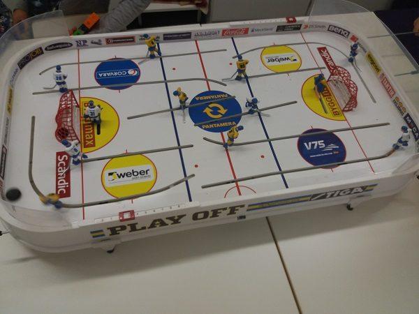 Jääkiekkopeli.