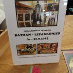 Esite kirjaston batman-näyttelystä.