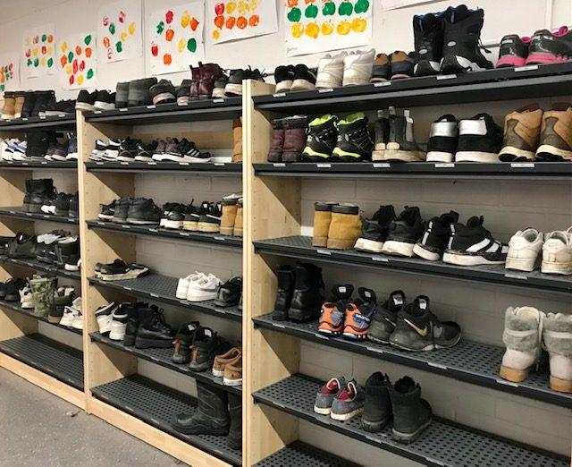 Ilpoisten koulu on kengätön koulu