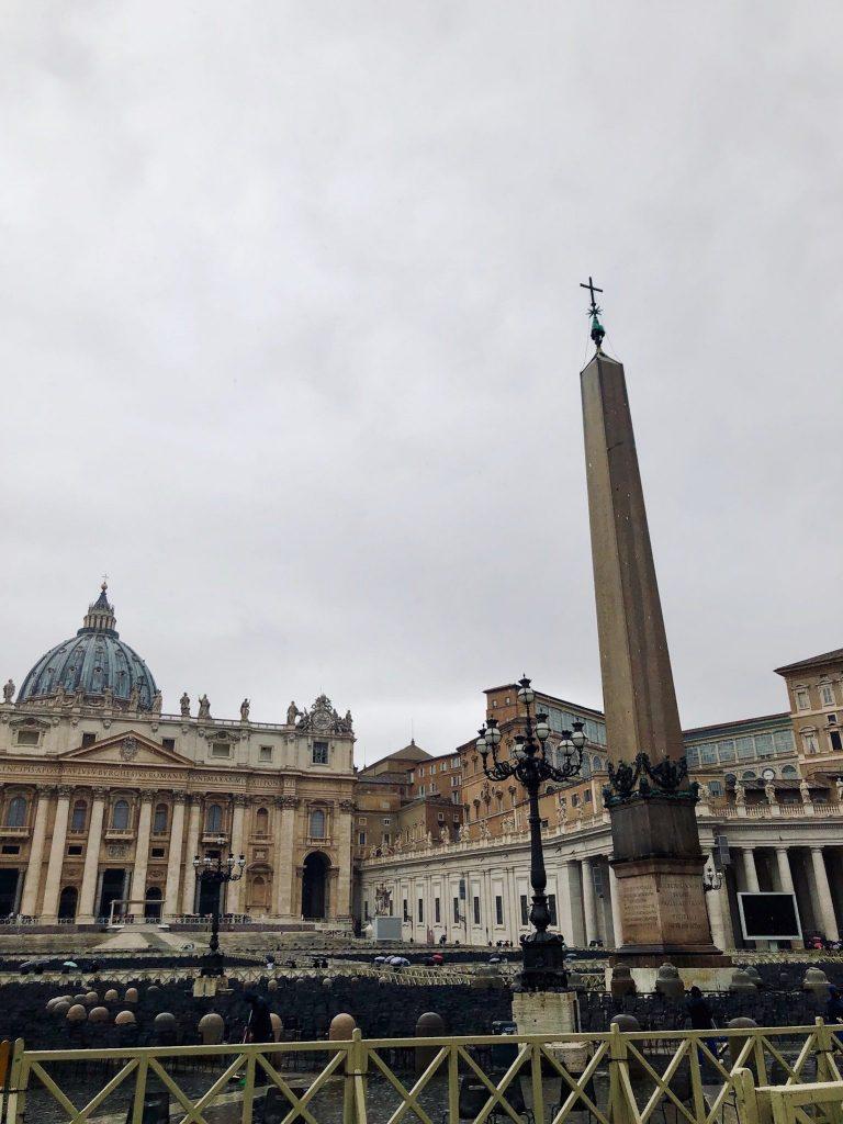 Aukio Vatikaanissa.