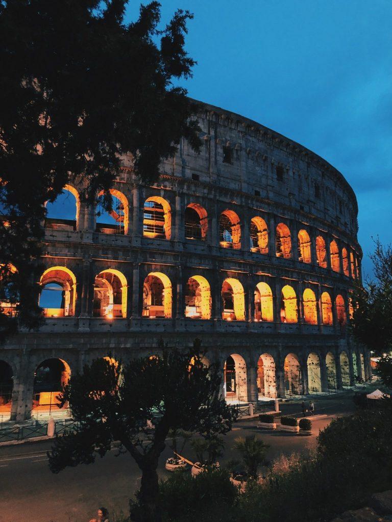Colosseum illalla.