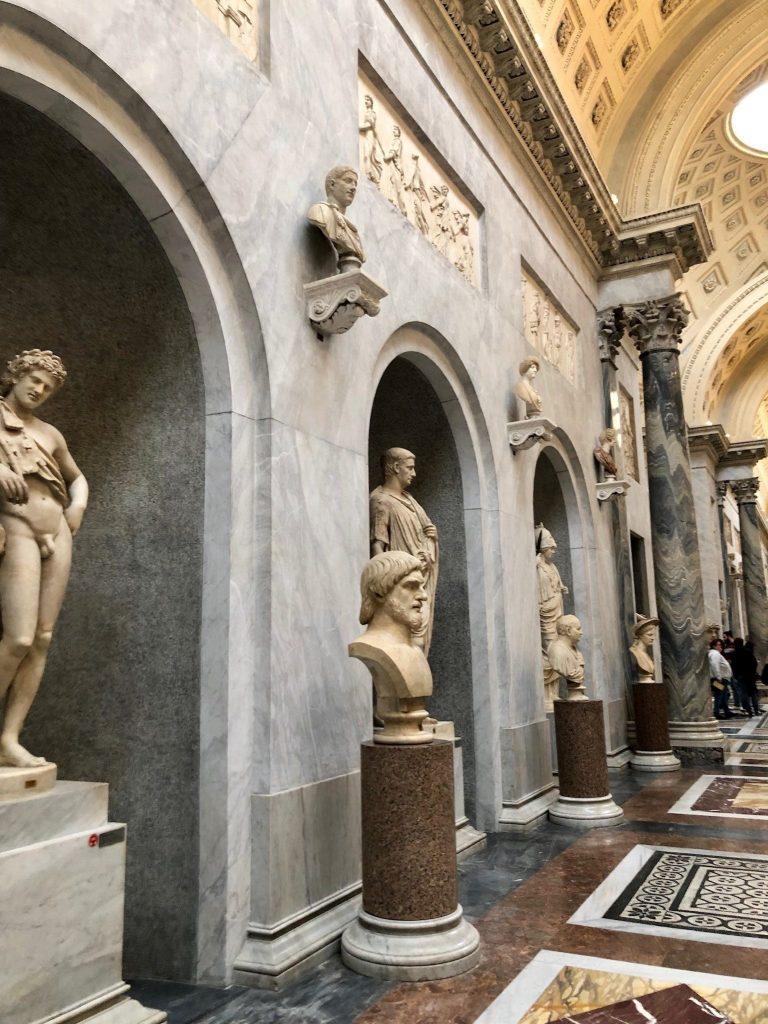 Patsaita Vatikaanin museossa.