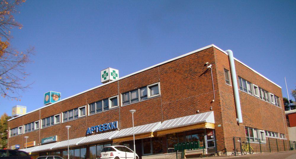 Moikoisten kauppakeskus jonka yläkerrassa on Moikoistenphy:n päätalo.