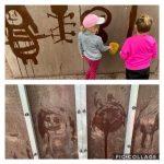 Kuvakollaasi vesimaalaamisesta. Ylemmässä kuvassa kaksi lasta maalaa vedellä erilaisten hahmojen kuvia palloseinään. Alemmassa kuvassa näkyy vedellä piirettyjä hahmoja palloseinässä.