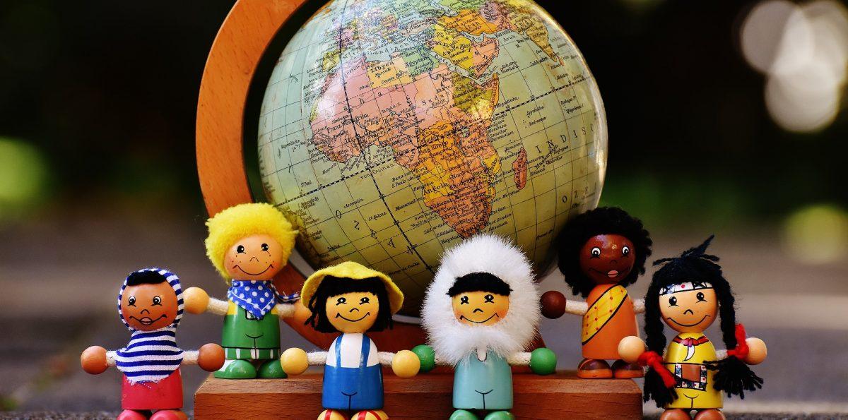 Monikulttuurinen opetus