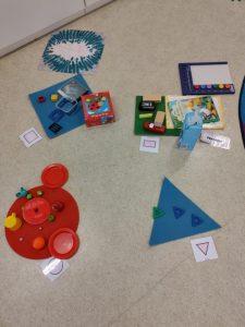 geometrisia kuvioita ja tavaroita