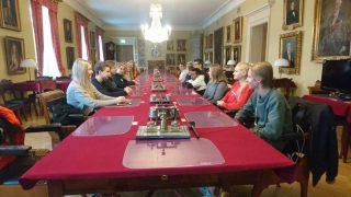 Oppilaat ovat tutustumassa Turun hovioikeuden toimintaan.