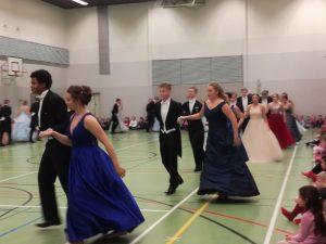 Katedralskolans åk 2 dansar