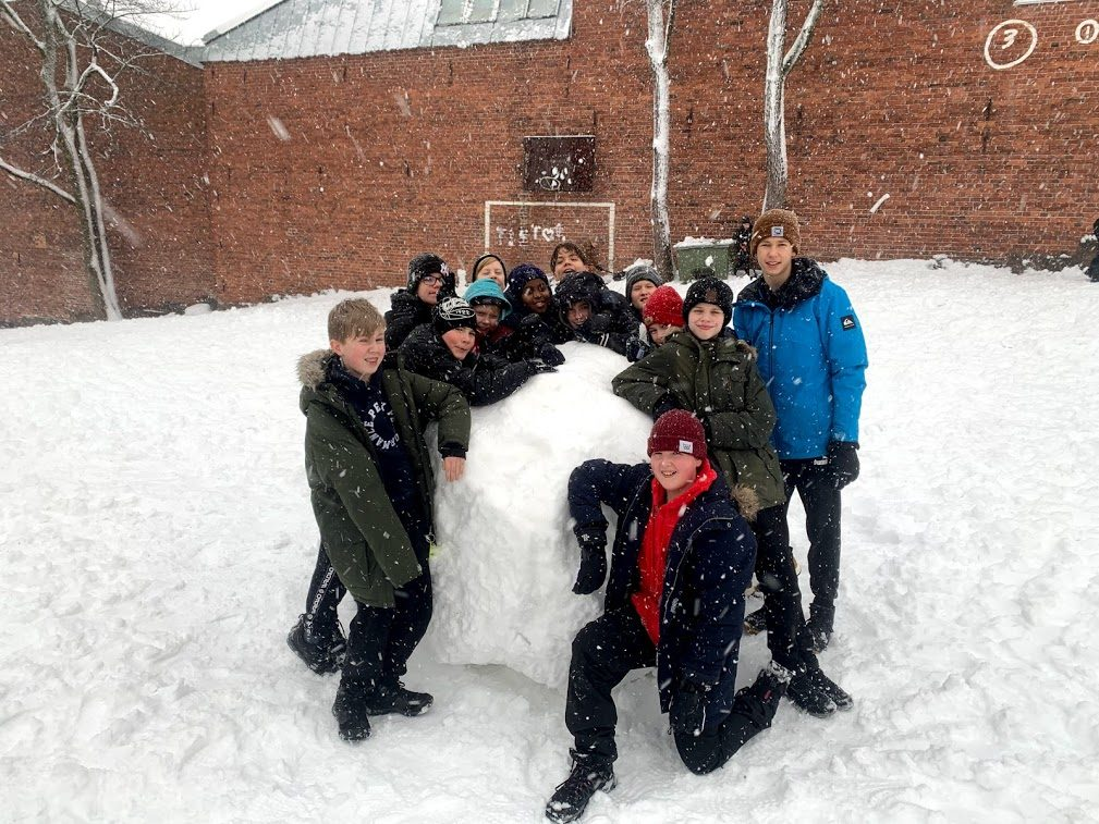åk 6 och en stor snöboll