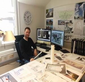 Martin Poganitsch vid sitt arbete.