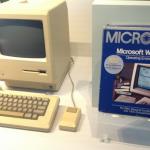 Rinta rinnan. Ensimmäisen Macintoshin esituotantomalli sekä Windows 1.0.