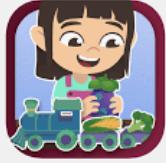 tyttö leikkii junalla.